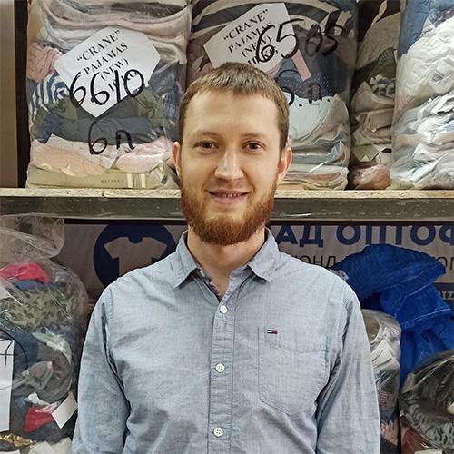 Айзятуллов Альберт работает в компании СКЛАД ОПТОФ
